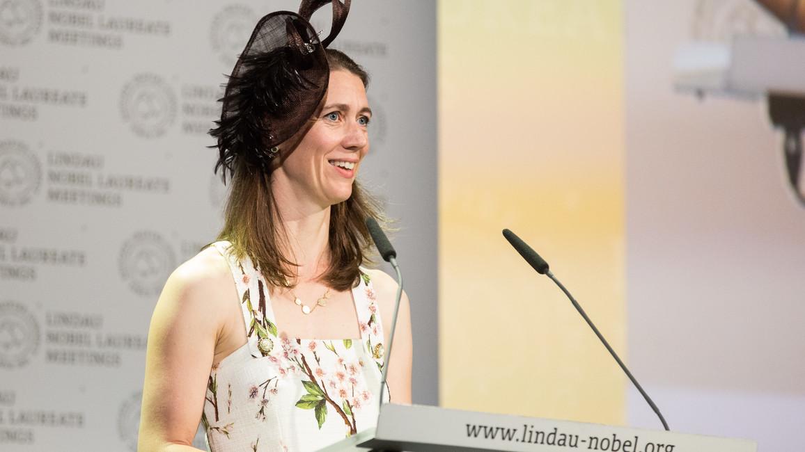 Gräfin Bettina Bernadotte begrüßt die Gäste des 67. Lindauer Nobelpreisträgertreffens