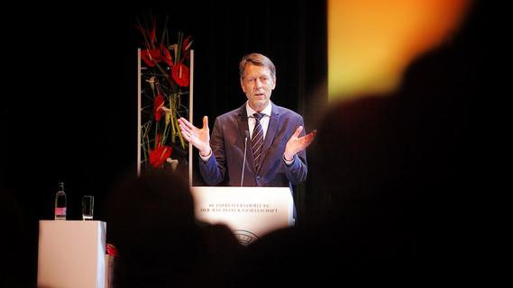 Georg Schütte, Staatssekretär im Bundesministerium für Bildung und Forschung, hielt im Rahmen der Jahresversammlung ein Grußwort.