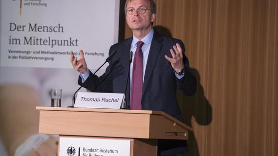 Thomas Rachel, Parlamentarischer Staatssekretär bei der Bundesministerin für Bildung und Forschung, eröffnet den 'Netzwerk- und Methodenworkshop zur Forschung in der Palliativversorgung'