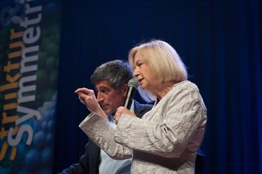 Bundesministerin Johanna Wanka nahm an der Eröffnungsveranstaltung zu Highlights der Physik 2017 teil.