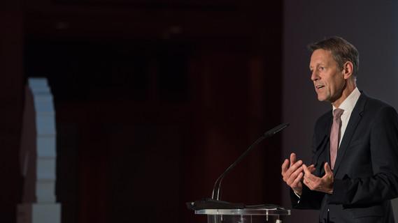 Georg Schütte, Staatssekretär im BMBF, nahm an der diesjährigen Springer Medizin Gala teil