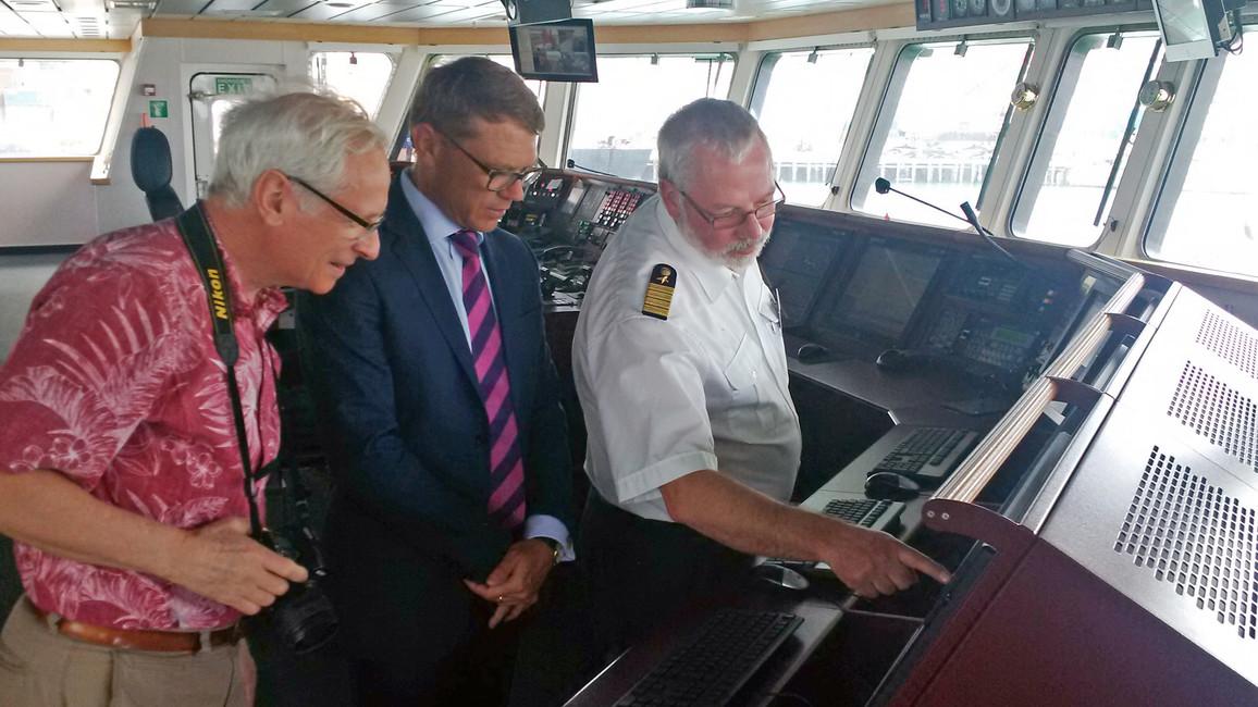 Neuseeländischer Forschungsminister Paul Goldsmith an Bord der Sonne