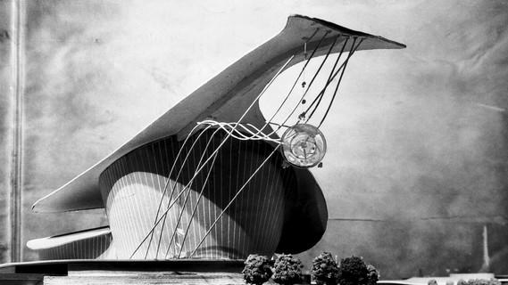 Sergius Ruegenberg, Rund um den Zoo, Wartehalle, Modellaufnahme, 1948