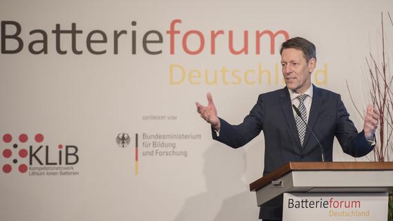 Georg Schütte auf dem Batterieforum 2018