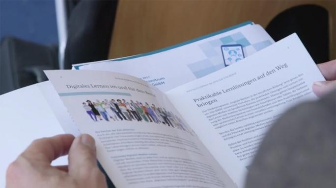 Poster zum Video Mit digitalen Lernmedien auf Tour